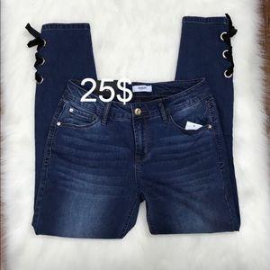 Kensie jeans women bow size 10/30 NEVER WORN